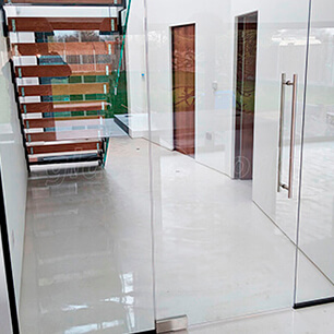 Porta de Vidro em Caieiras