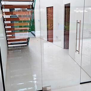 Porta de Vidro na Casa Verde