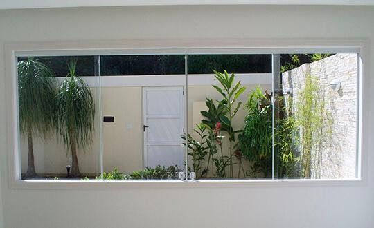 Janela de Vidro na Vila Sonia